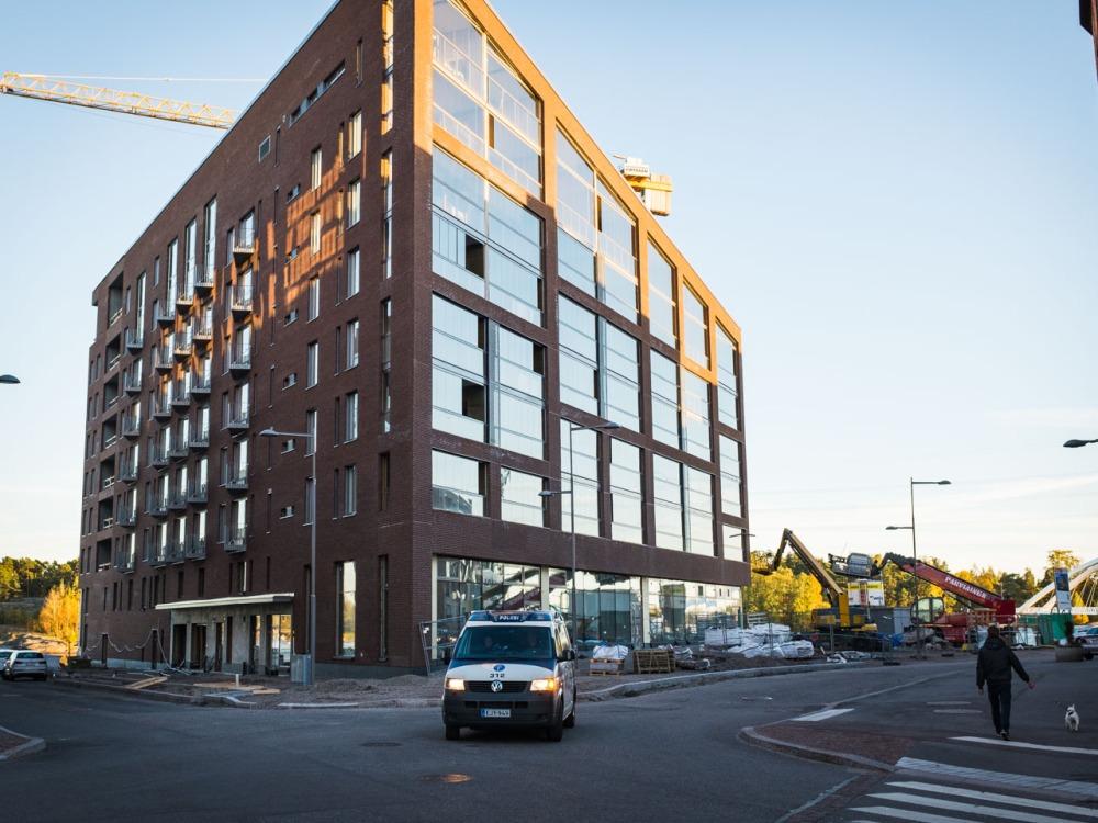 Leonkadun uusi kerrostalo kuvattuna 2.10.2016.