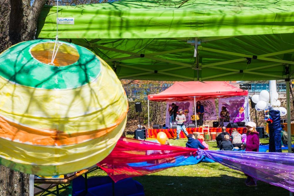 Funky Family Zone at Cirko-festivaalilla oli akrobatiaa ja live-musiikkia