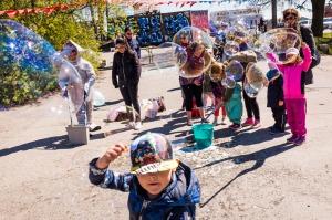 Saippuakuplia Funky Family Zone at Cirko-festivaalilla