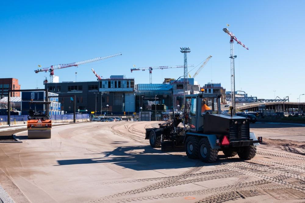 Kalasatamanpuiston 2. vaiheen pelikentän rakentamista 28.6.2017