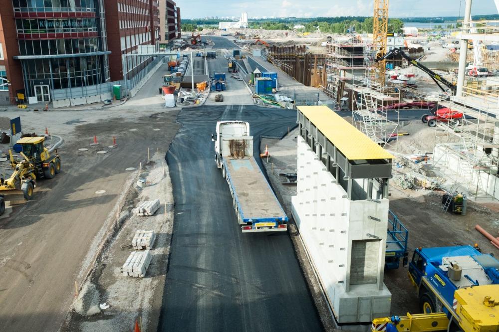 Hermannin rantatie Kalasataman metroasemalta kauppakeskus REDIn vierestä
